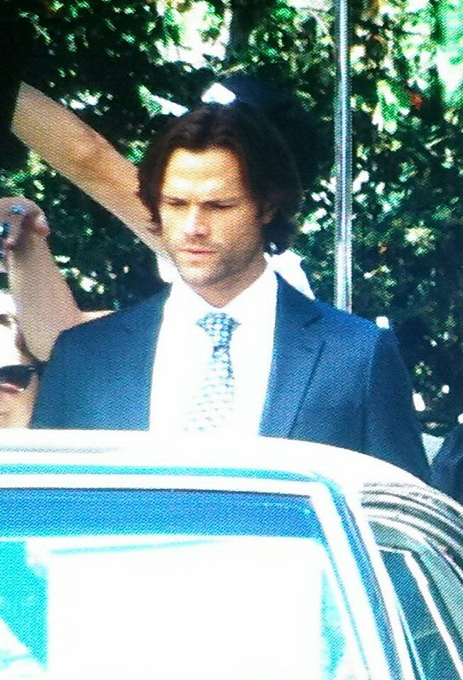 http://www.thewinchesterfamilybusiness.com/images/DiscussionPage/Season12/Episodes_1to5/CqL4w_dXEAAdxKA.jpg