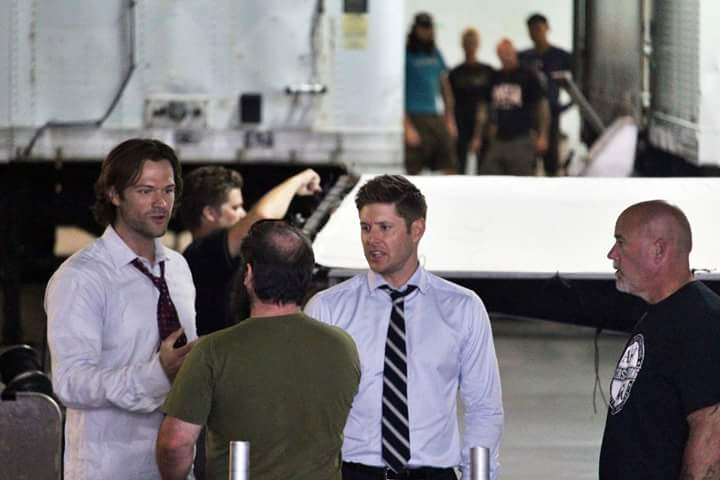 http://www.thewinchesterfamilybusiness.com/images/DiscussionPage/Season12/Episodes_1to5/CrQ8qGgUAAA0qtz.jpg