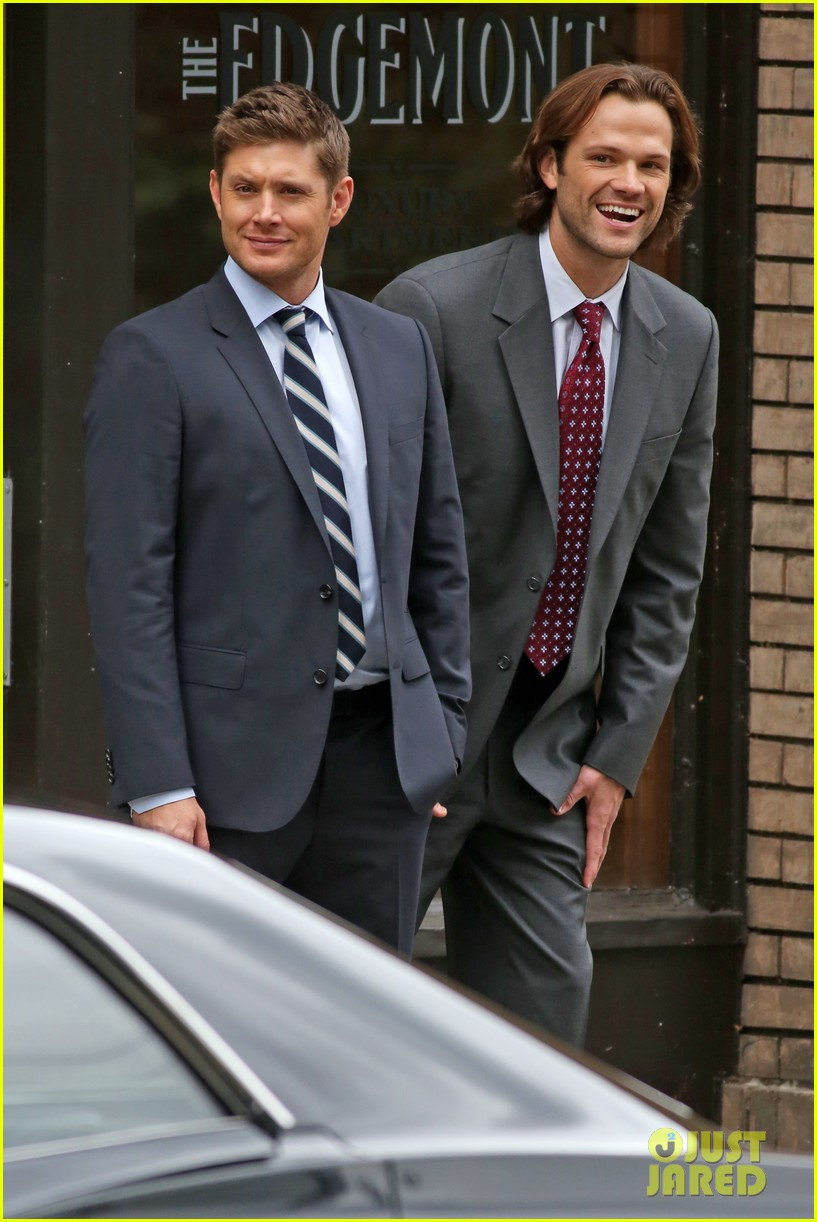 http://www.thewinchesterfamilybusiness.com/images/DiscussionPage/Season12/Episodes_1to5/jensen-ackles-jared-padalecki-get-to-work-on-supernatural-03.jpg