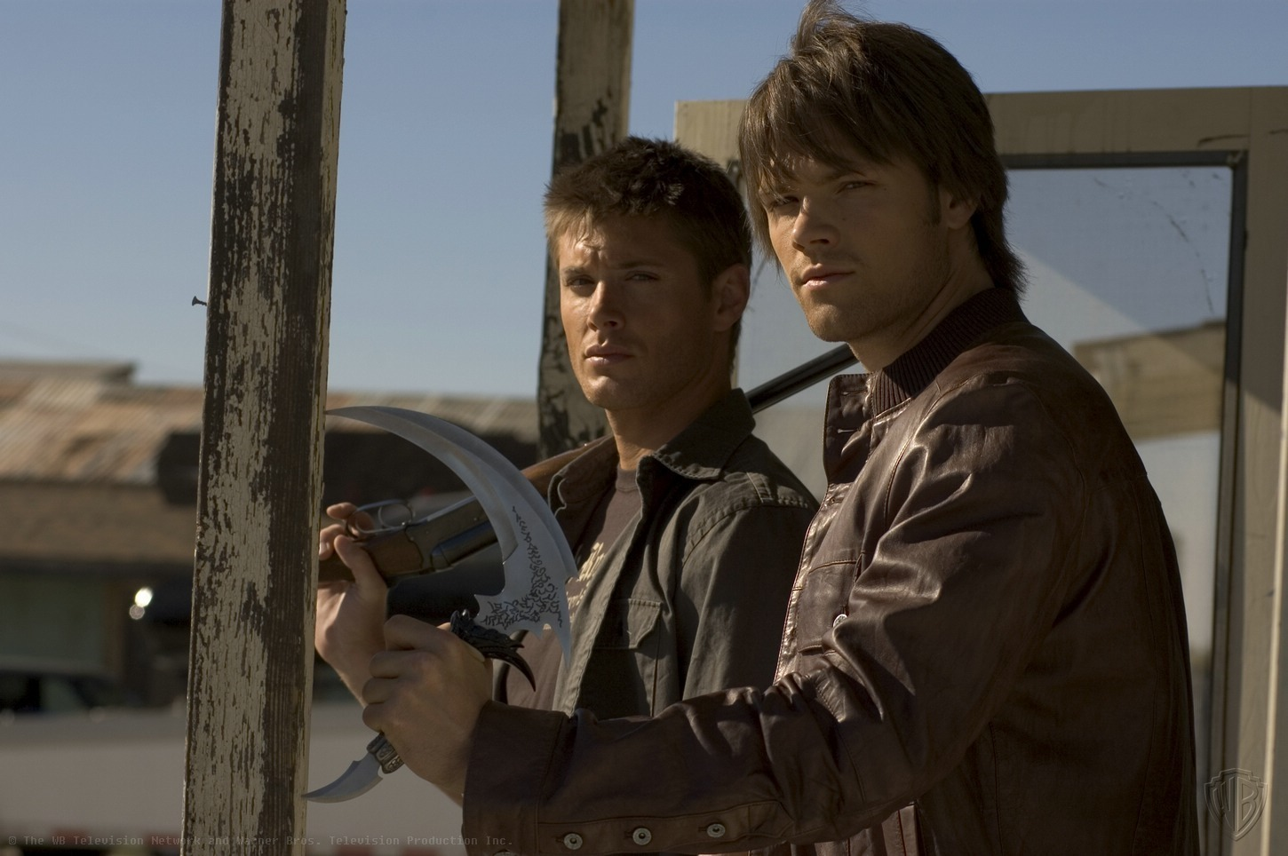 http://www.thewinchesterfamilybusiness.com/images/PromoPhotos/ADDITIONAL-SEASON-1-PROMOTION-PICTURES-supernatural-1516641-1450-964.jpg